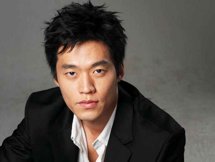 "Lee Seo Jin: ""I Want to Have a Meal at Girls' Generation's Dorm"""