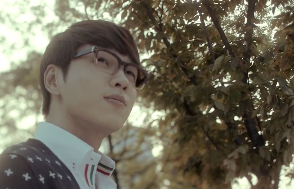 SG Wannabe's Lee Suk Hoon Goes Off to the Military