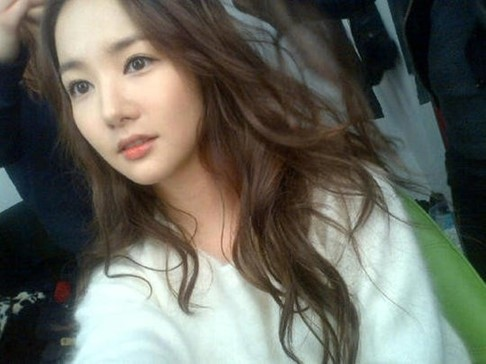 Park Min Young Is an Innocent Goddess in Her Recent Selca