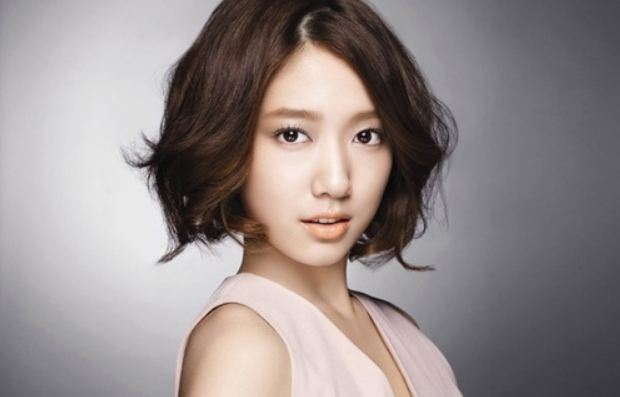 Park Shin Hye Promises to Give Free Hugs If..