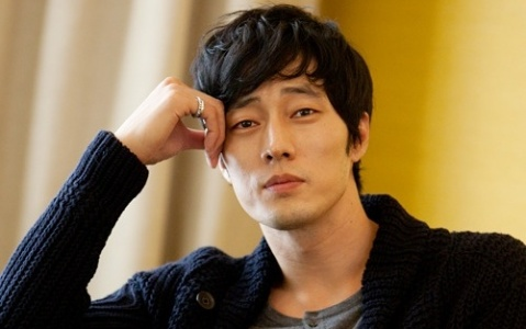 """So Ji Sub's Short but Powerful """"Thank You"""" Message Garners Attention"""