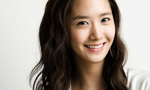 "YoonA Revealed: ""Someone from the Adult Entertainment Industry Gave Me a Business Card"""