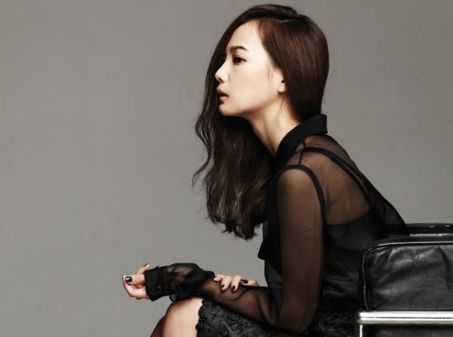 "Yoon Seung Ah Is Classy and Sexy for ""1st Look"" Magazine"
