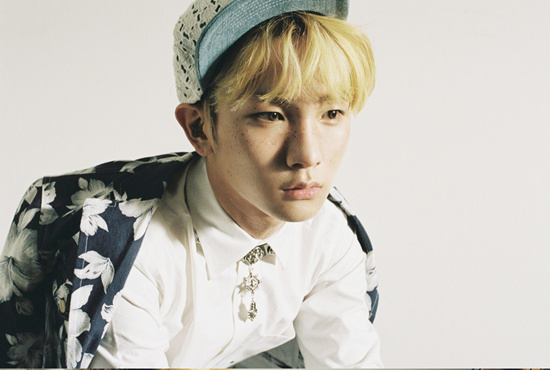 """SHINee's Key Drives Girls Crazy with His """"Over Dance"""""""