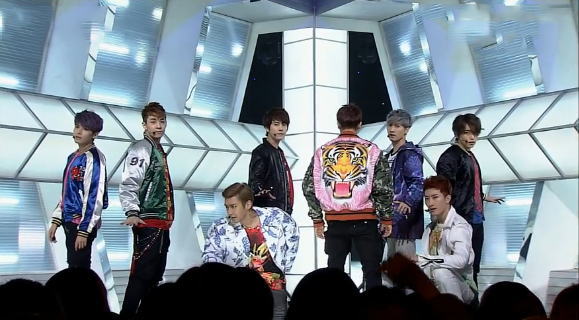 "Super Junior-M Performs ""Break Down"" on Inkigayo"