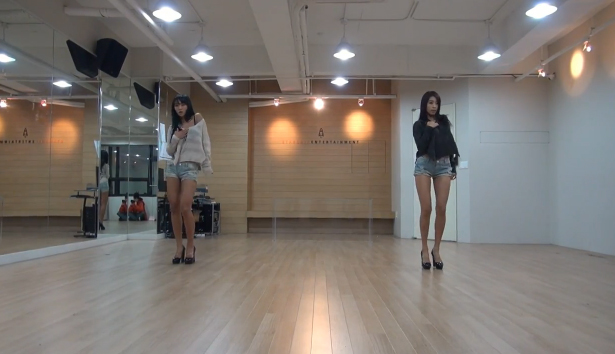 "SISTAR19 Shows Off Their Sexy Choreography in Dance Practice for ""Gone Not Around Any Longer"""
