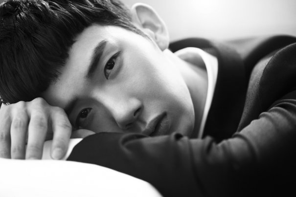 "2AM's Jo Kwon Supports Changmin's Performance in ""Jack the Ripper"" Musical"