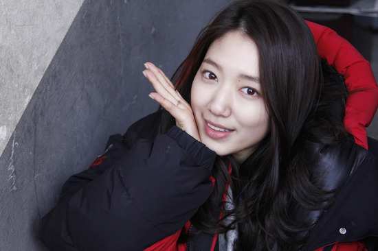 "Park Shin Hye Bids Goodbye to ""My Flower Boy Neighbor"""