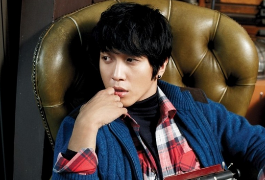 CNBlue's Jung Yong Hwa Meets His Ideal Girl
