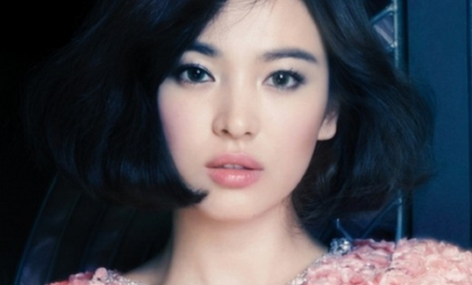 Song Hye Gyo Amazes Fans with Her Middle School Photos