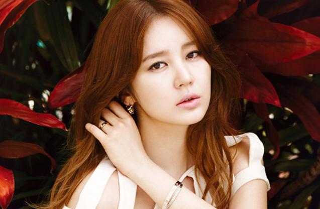 Yoon Eun Hye Goes Femme Fatale in Cartier