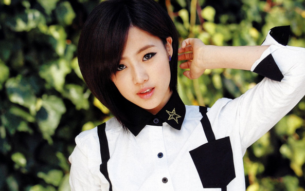 "T-ara's Eunjung Reveals New Year's Resolution: ""Become More Mature and Careful"""
