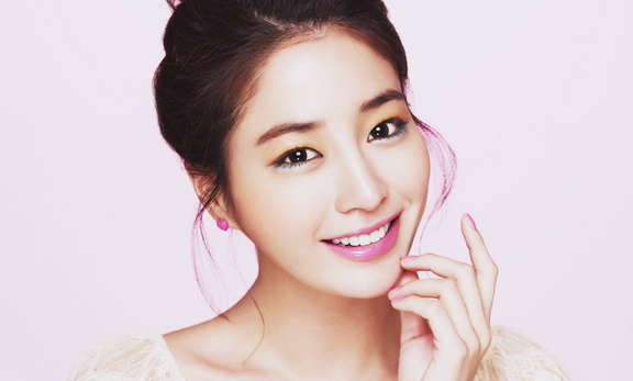 """Lee Min Jung to Romance Shin Ha Kyun in """"All About My Romance"""""""