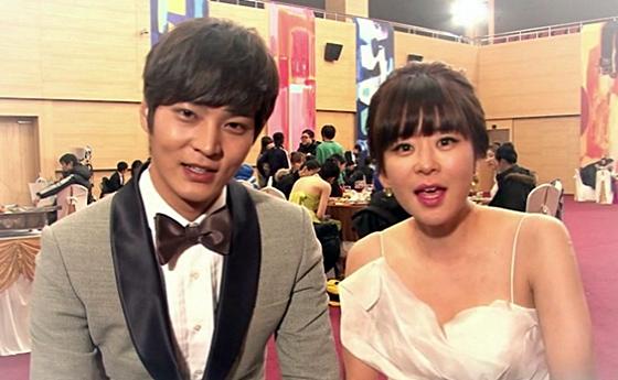 Joo Won Got Injured By Choi Kang Hee During Drama Filming