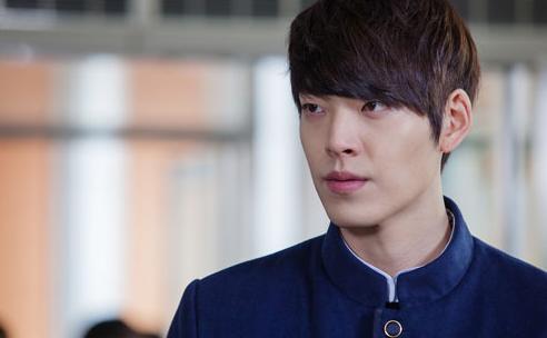 "School 2013's"" Kim Woo Bin Wants to Work with Shin Min Ah"