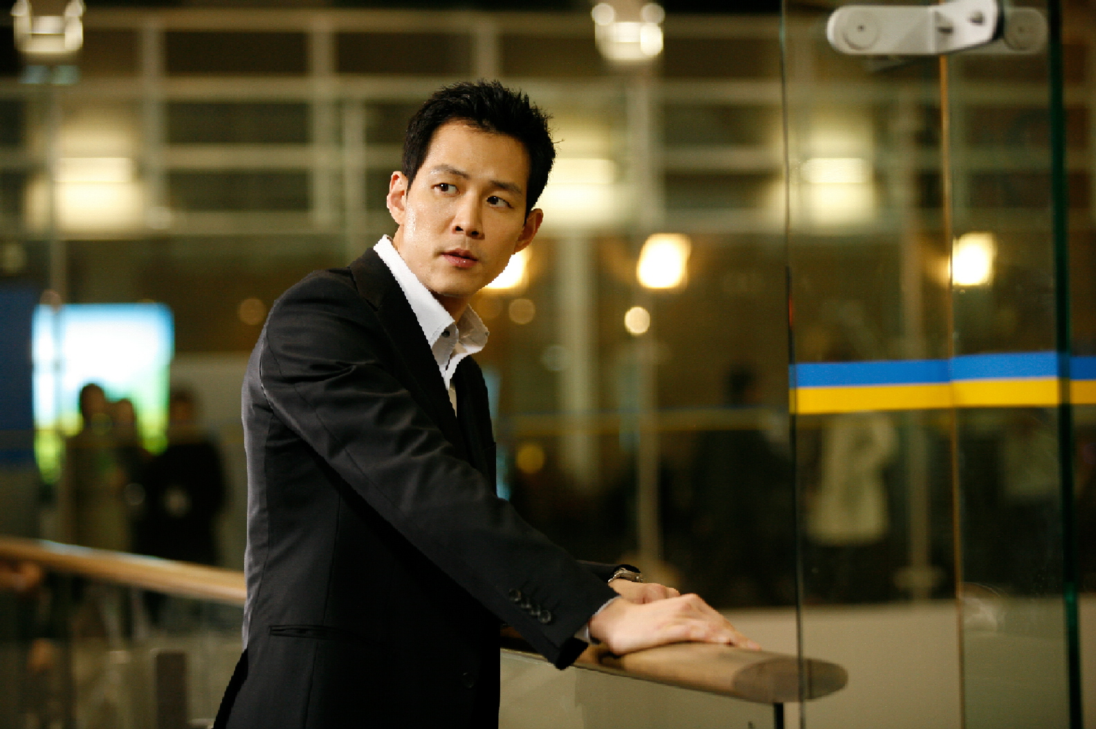 """Lee Jung Jae: """"I Reget Not Being There for Jung Woo Sung and Lee Ji Ah During Their Scandal"""""""