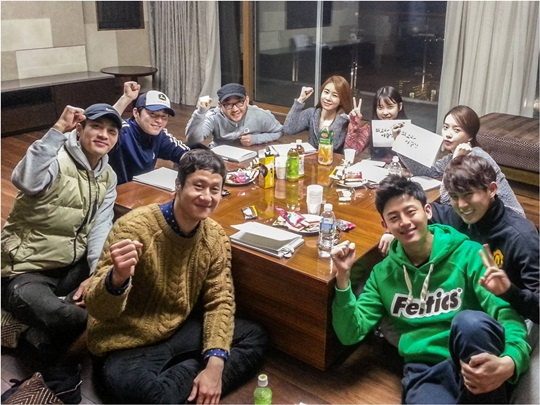 "Cast of ""The Best Lee Soon Shin"" Get Together For a Workshop"