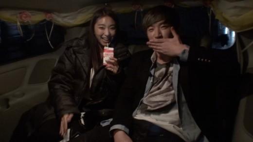 Shinhwa's Minwoo Asks SISTAR's Bora If She Wants to Marry Him