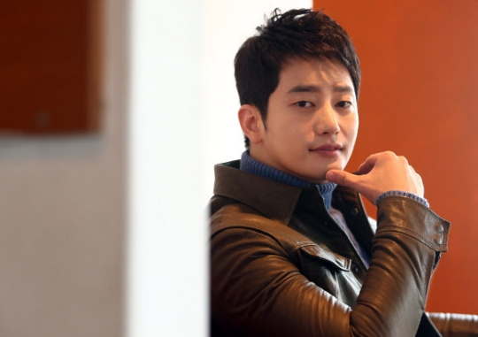 Park Shi Hoo Leaves Handwritten Message for Fans