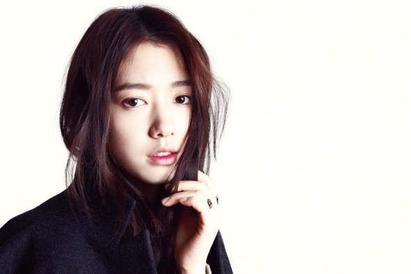 """Park Shin Hye Sheds Tomboy Image for """"Marie Claire"""""""
