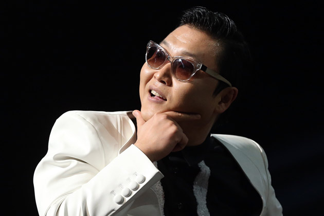 PSY Uses a Helicopter for His China Tour
