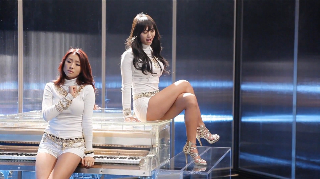 "SISTAR19 Reveals MV Making Film for ""Gone Not Around Any Longer"""
