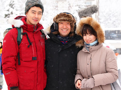 """New Photos of Song Hye Gyo and Jo In Sung from """"That Winter, The Wind Blows"""" Unveiled!"""