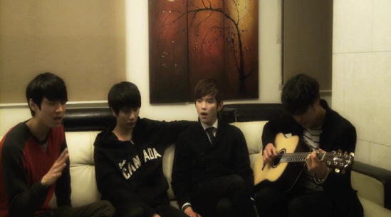 """Boy Group Tritops Does Acoustic Cover of SHINee's """"Dream Girl"""""""