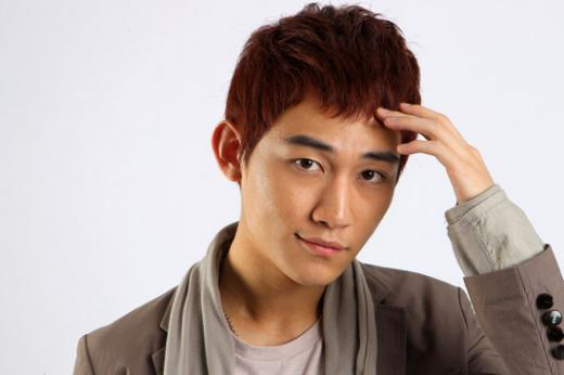 U-KISS' AJ to Rejoin Group For March Comeback