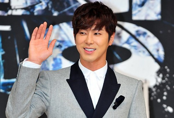 "DBSK's Yunho in Talks to Join Jun Ji Hyun and Kim Soo Hyun for ""The Man from the Stars"""