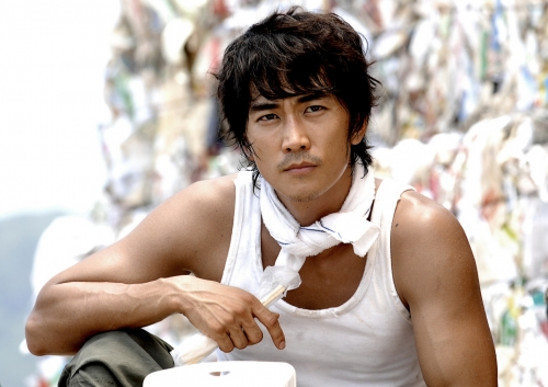 """Song Seung Hun: """"I Don't Want to Remain with a Flower Boy Image"""""""