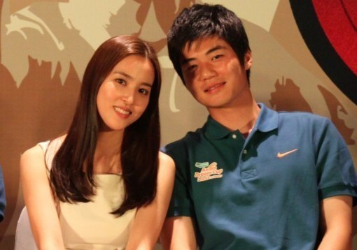 Ki Sung Yueng and Han Hye Jin Confirmed to Be Dating