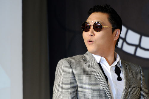 """PSY Is on the """"TIME 100"""" Online Poll!"""
