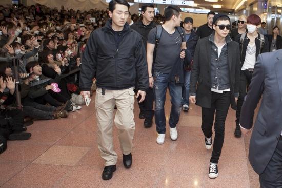JYJ Heats Up South Korean and Japanese Airports