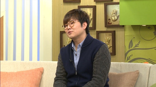 """CEO of CN Blue and FT Island's Agency: """"I Wanted to Be a Singer"""""""