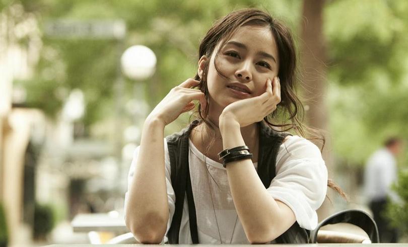 Kim Tae Hee Looks Gorgeous in Latest CF