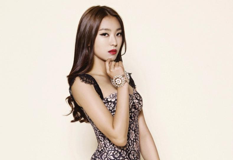 """Comedian Kim Ji Min And Bora Form New Unit """"SISTAR 29"""""""