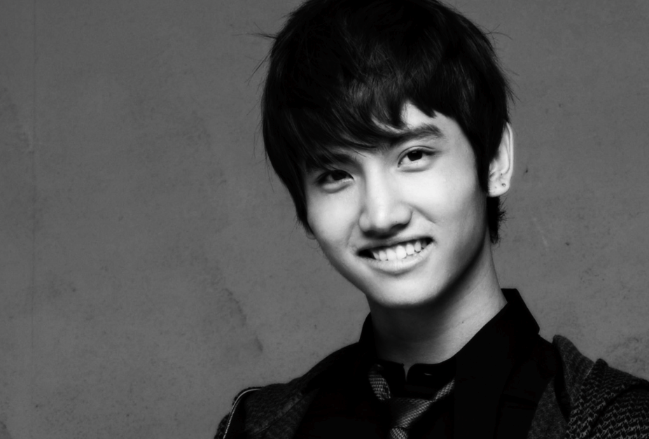 "DBSK's Changmin Wins ""Best Rookie Actor"" For Japanese Movie ""Fly With The Gold"""