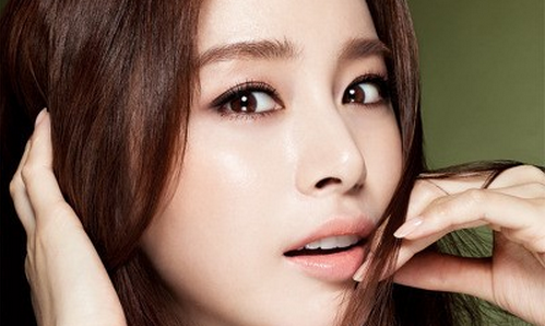"Kim Tae Hee Reveals: ""My College Major Helped Me with 'Jang Ok Jung'"""