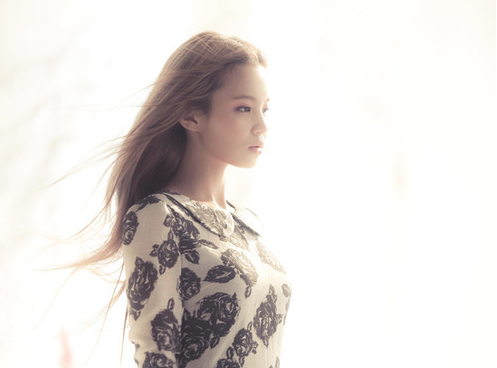 Lee Hi Talks About Her Dynamic with Yang Hyun Suk