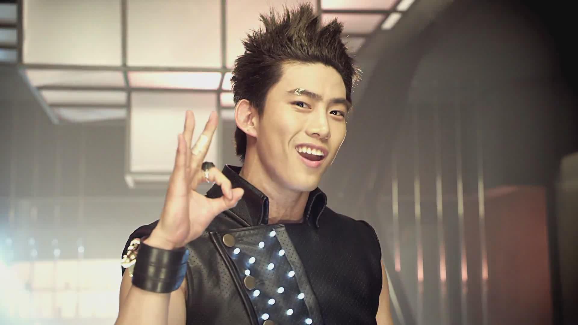 2PM's Taecyeon Is One Hot Nerd