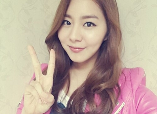 Uee Returns to Variety with Kang Ho Dong, Kim Hyun Joong ...