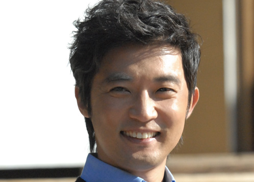 Ahn Jae Wook Returns to Korea after Recovery from Brain Surgery