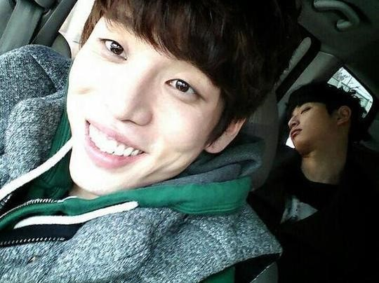 2AM's Changmin Catches Jinwoon in the Backseat Passed Out