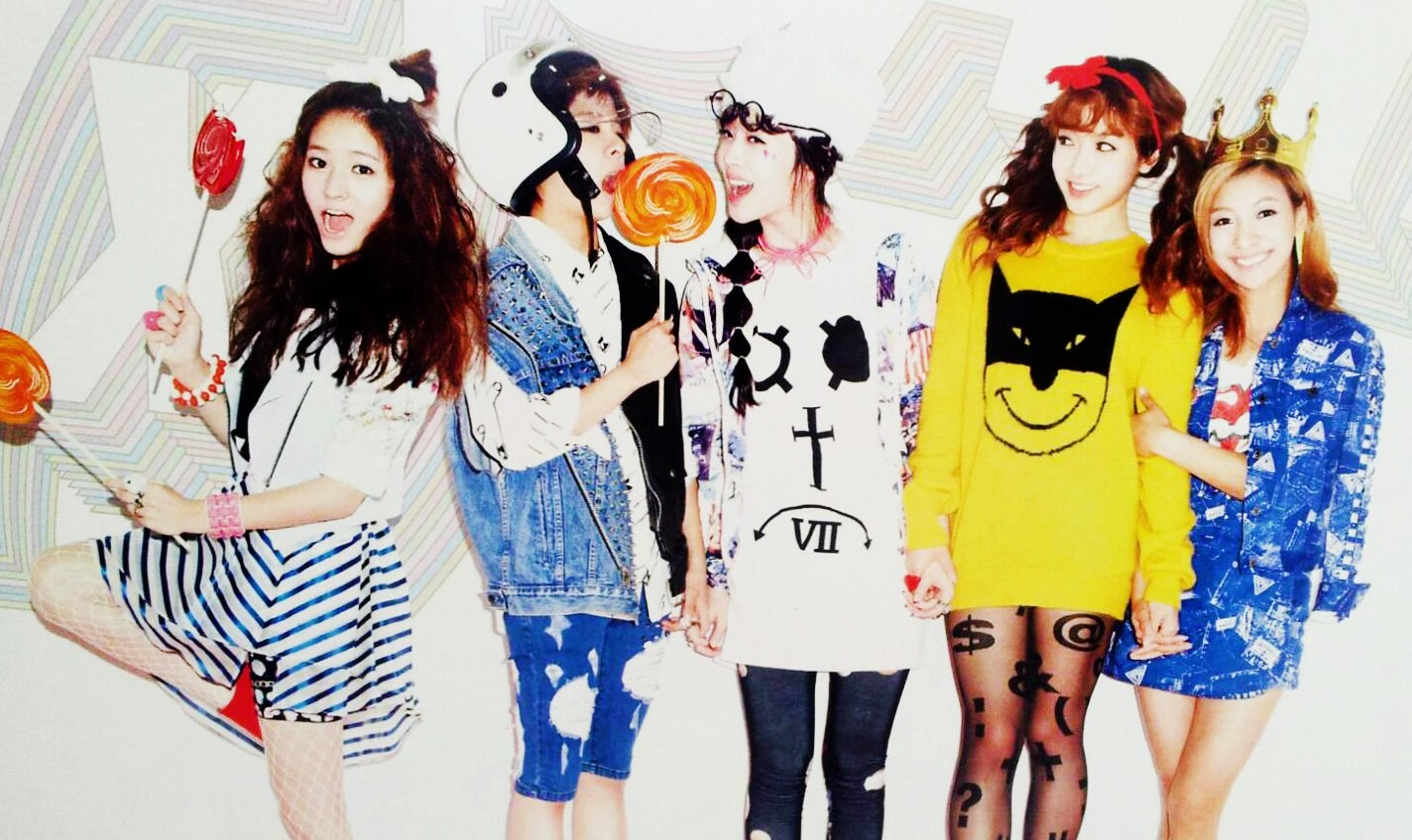 """f(x) Collaborates with """"Twilight"""" actress Anna Kendrick for an American Comedy Website"""