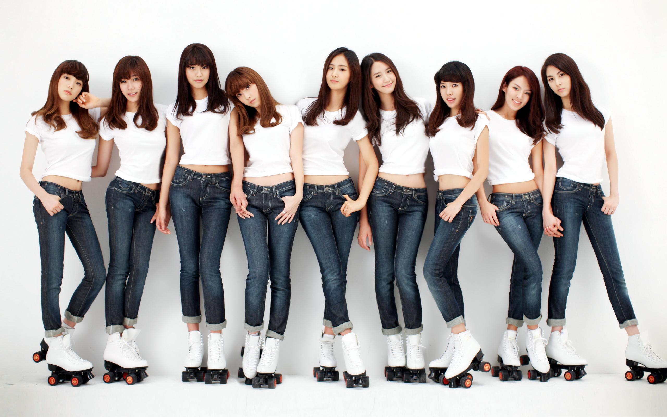 "[SNS Pic] Tiffany, Seohyun, Yuri and Taeyeon Are ""Ghetto Generation"""
