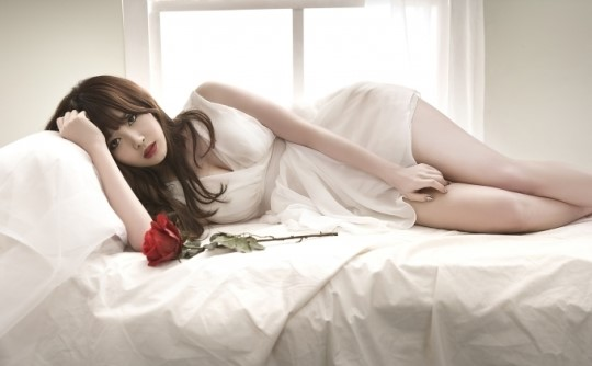 Girl's Day's Yura Gifts Fans with Sexy Desktop Background Photo