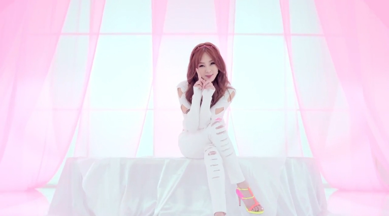 """G.NA Releases Comeback Music Video """"Oops!"""" and Fourth Mini Album"""