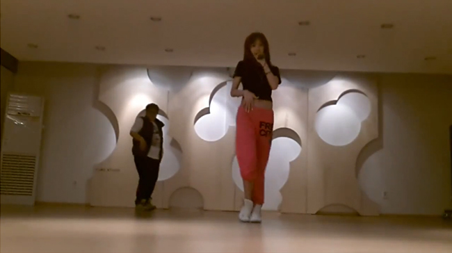 """G.NA Reveals Dance Practice for """"Oops!"""""""