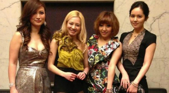 Girls' Generation's Hyoyeon, miss A's Min and Han Ga In Spotted in Hong Kong